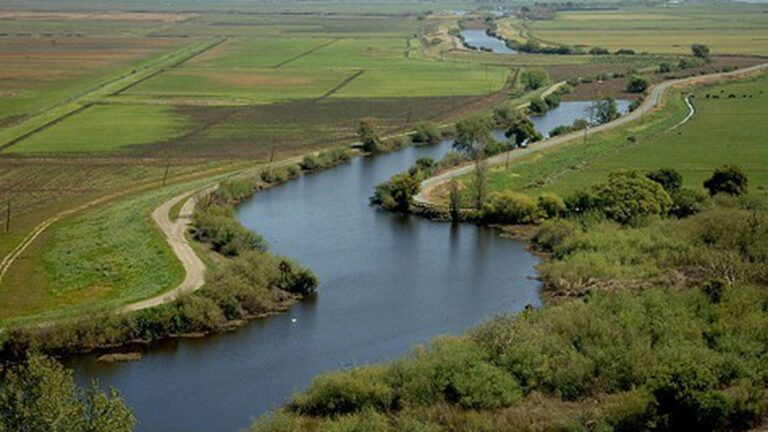 Governor Brown's Giant Water Tunnels Plan Loses Two Big Court Rulings