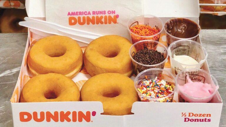 Dunkin' Worker Starts DIY Craze