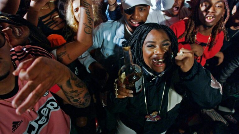 """Kamaiyah and YG Turn Up at the Sideshow in the """"Fuck It Up"""" Video"""