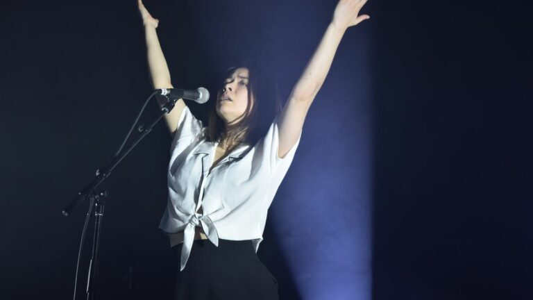 Mitski Embodies Slowly Unraveling Character At The Warfield