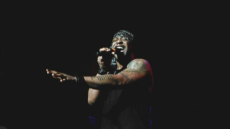 Live Review: D'Angelo's Simmering, Soulful Funk at The Fox