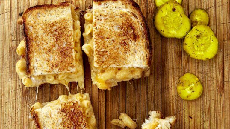 Grilled Cheese & Mac 'n' Cheese & Cheesesteaks & Beer