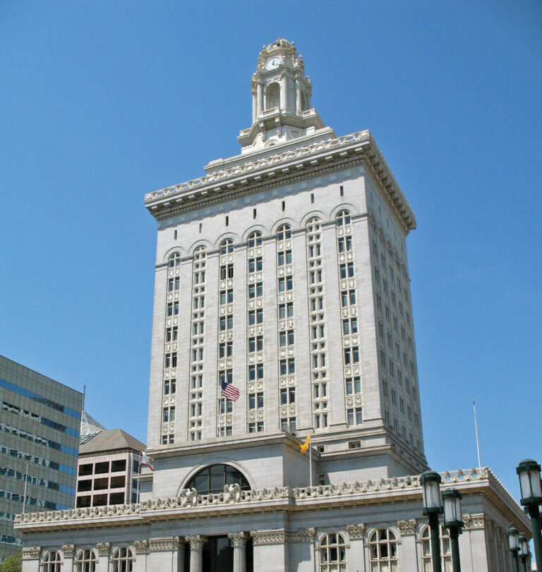 Oakland votes on contested budget